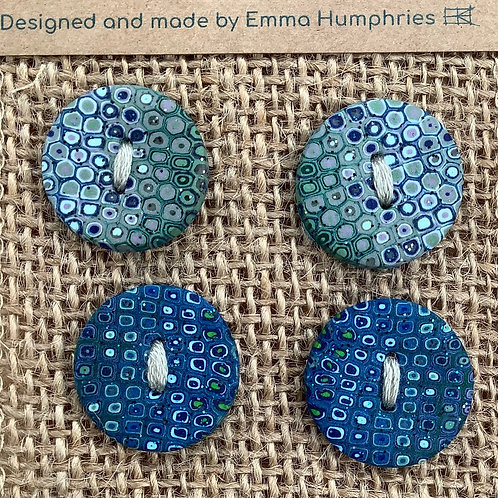 4 buttons Approx.  19mm