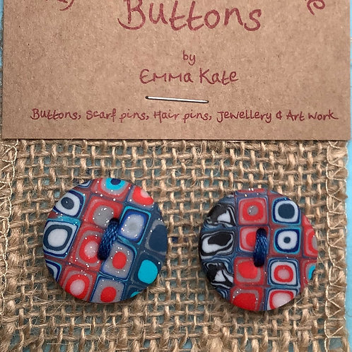 2 buttons Approx.  24mm