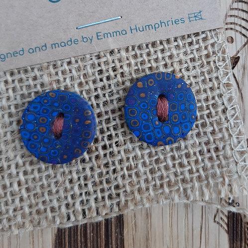 2 buttons Approx 19mm diameter
