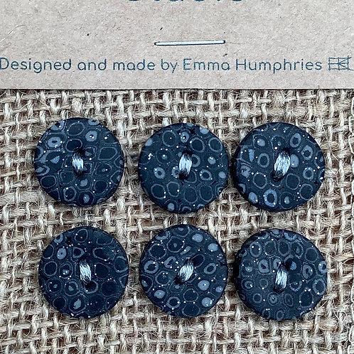 6 buttons Approx 14mm diameter