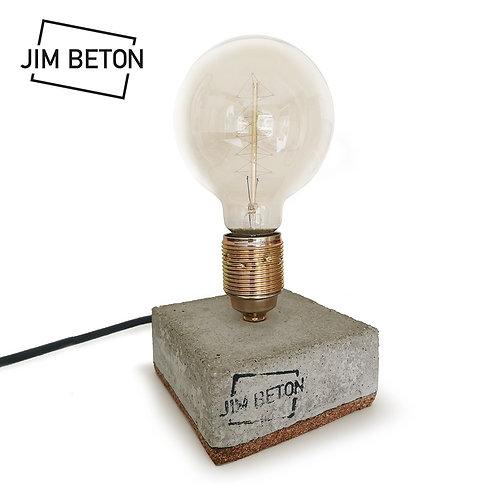 Lamp op halve betonnen voet