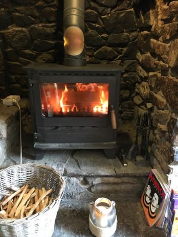 Bar wood burner