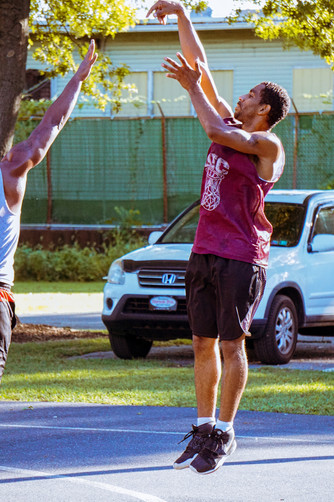 Mike Morales pull-up jumper