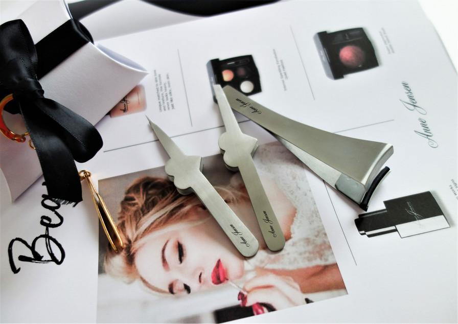 Beauty Magazine  the tweezers and lash kit