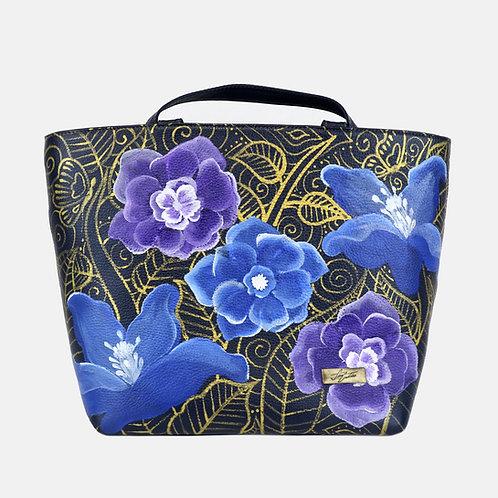Blue flowers Manhattan