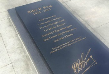 A stone has been dedicated to BB King in Mississippi
