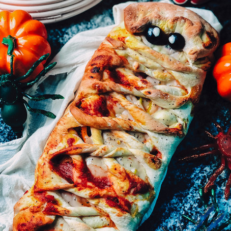 Halloween Mummy Pizza | Vegan