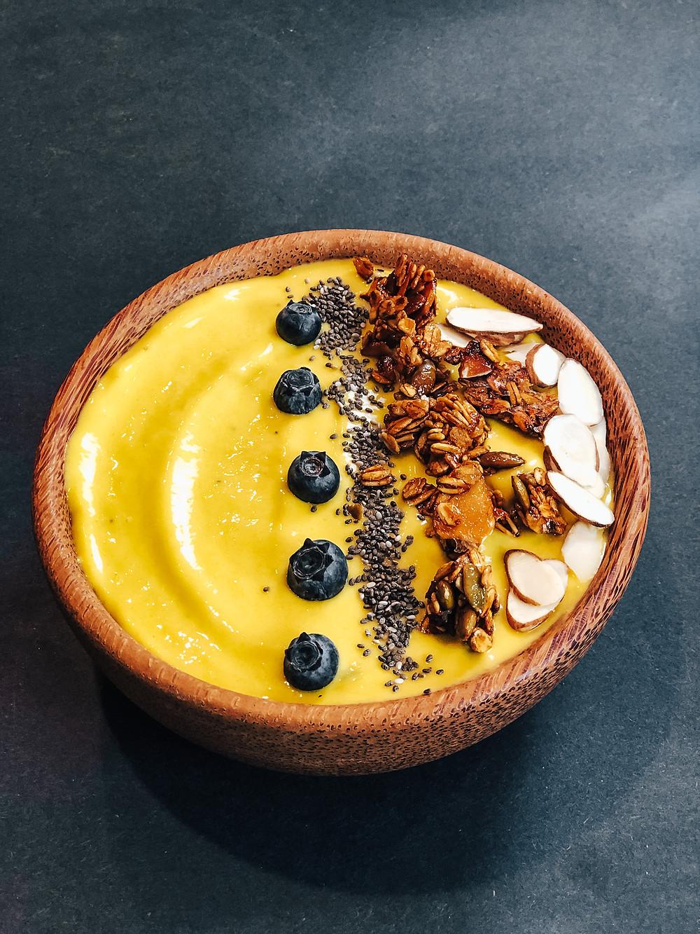 #smoothiebowl #smoothiebowlmango #howtomakesmoothiebowl #ketosmoothiebowl #vegansmoothiebowl #srilankansmoothiebowl