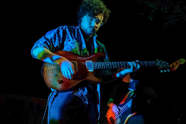 Guitarist from Funkotron (San Marcos)