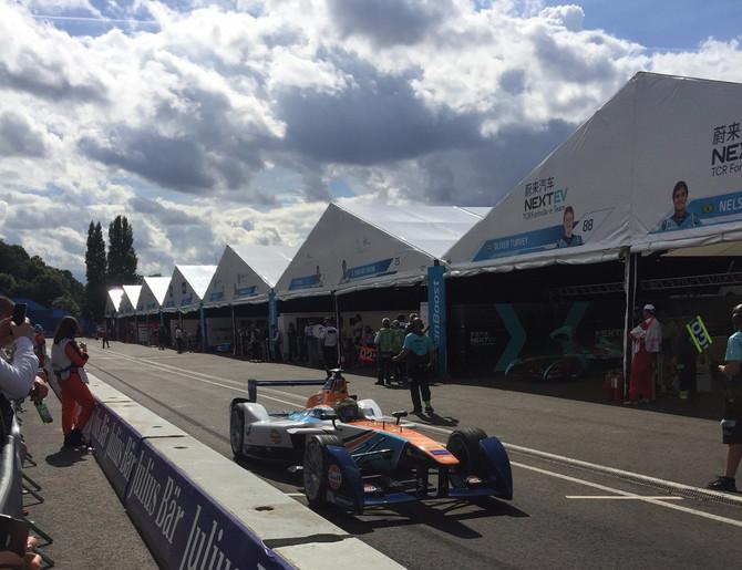Formula E considers keeping pitstops after next season