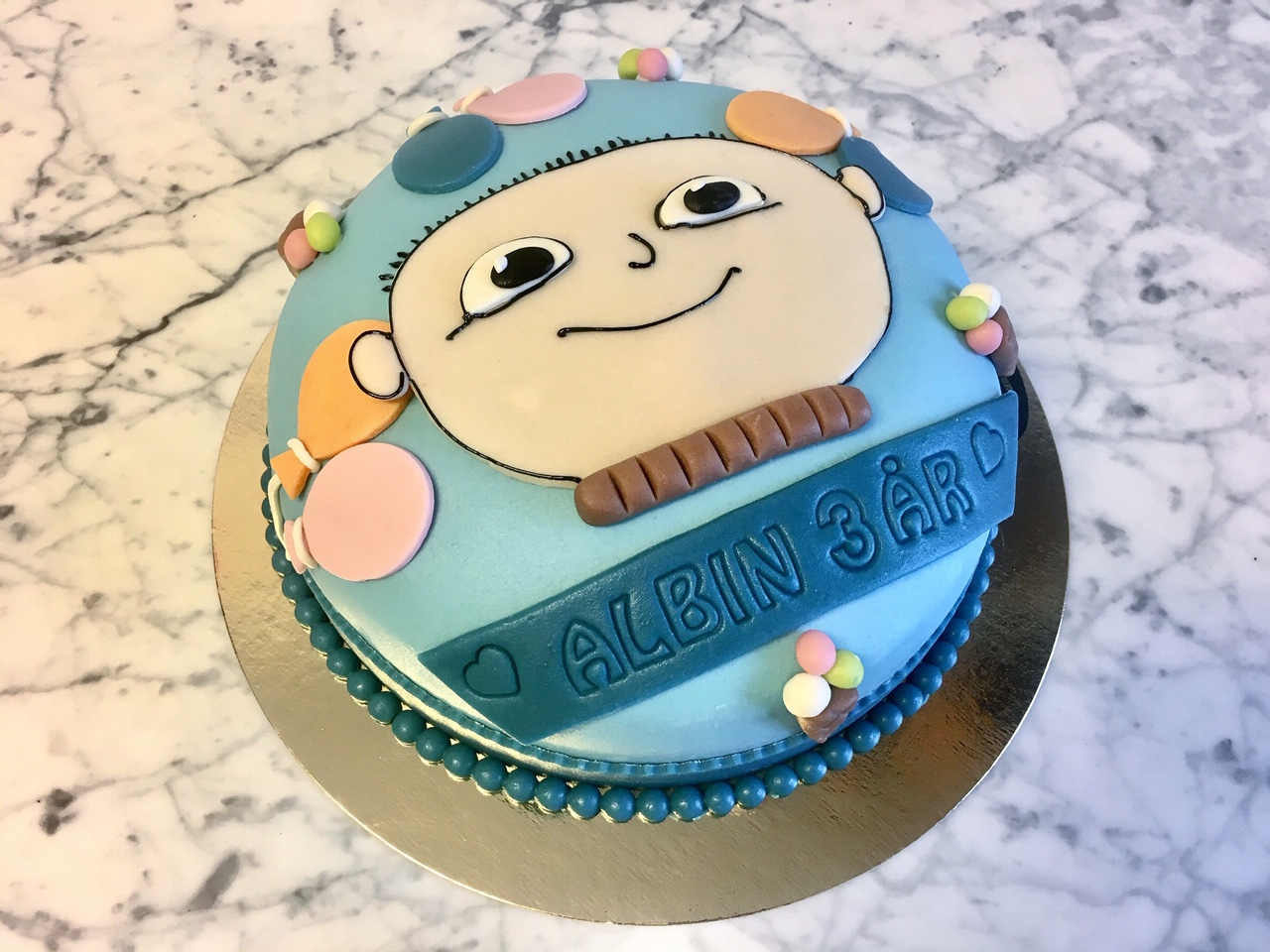 Alfons Åberg, blå tårta