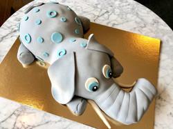 Grå elefant-tårta