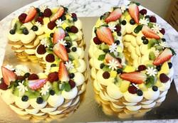 30-års tårta på smördegsbottnar