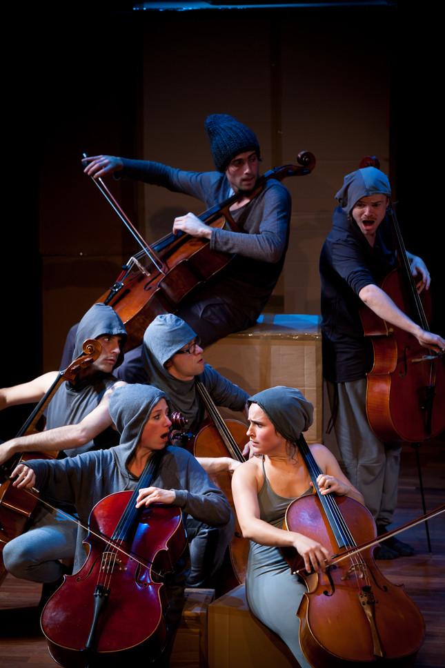 Compagnie Oorkaan und Cello8ctet Amsterdam - Cello storm_06 © Ronald Knapp