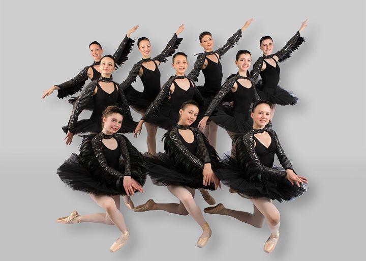 Black Swans, Gala 16