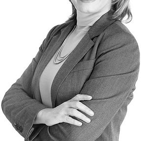 Smiling-business-woman-600px-low-res.jpg