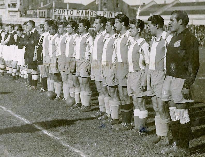 Equipa do Fc Porto no jogo contra o Arsenal em 1948.