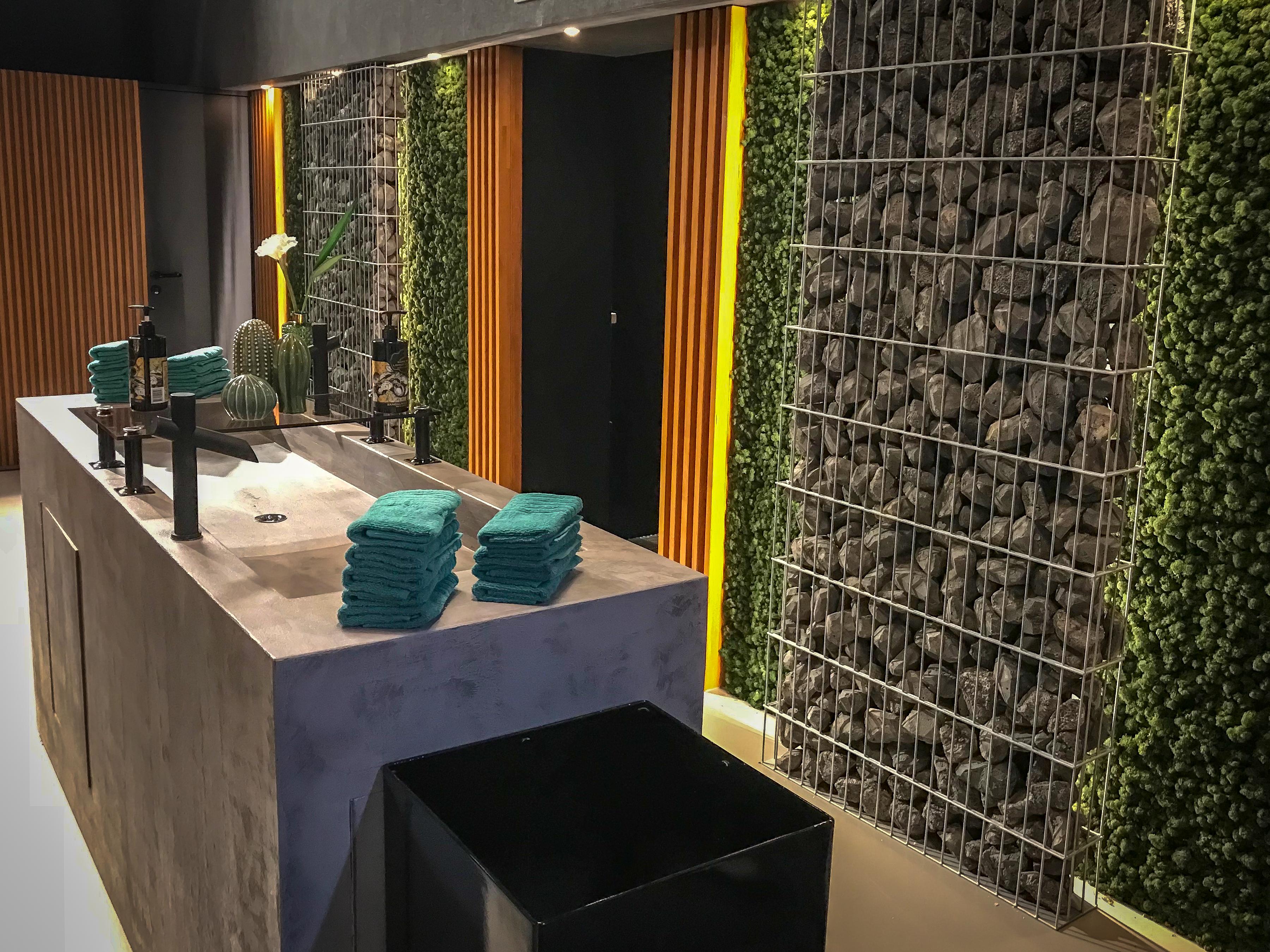Mauerwerk-Toiletten