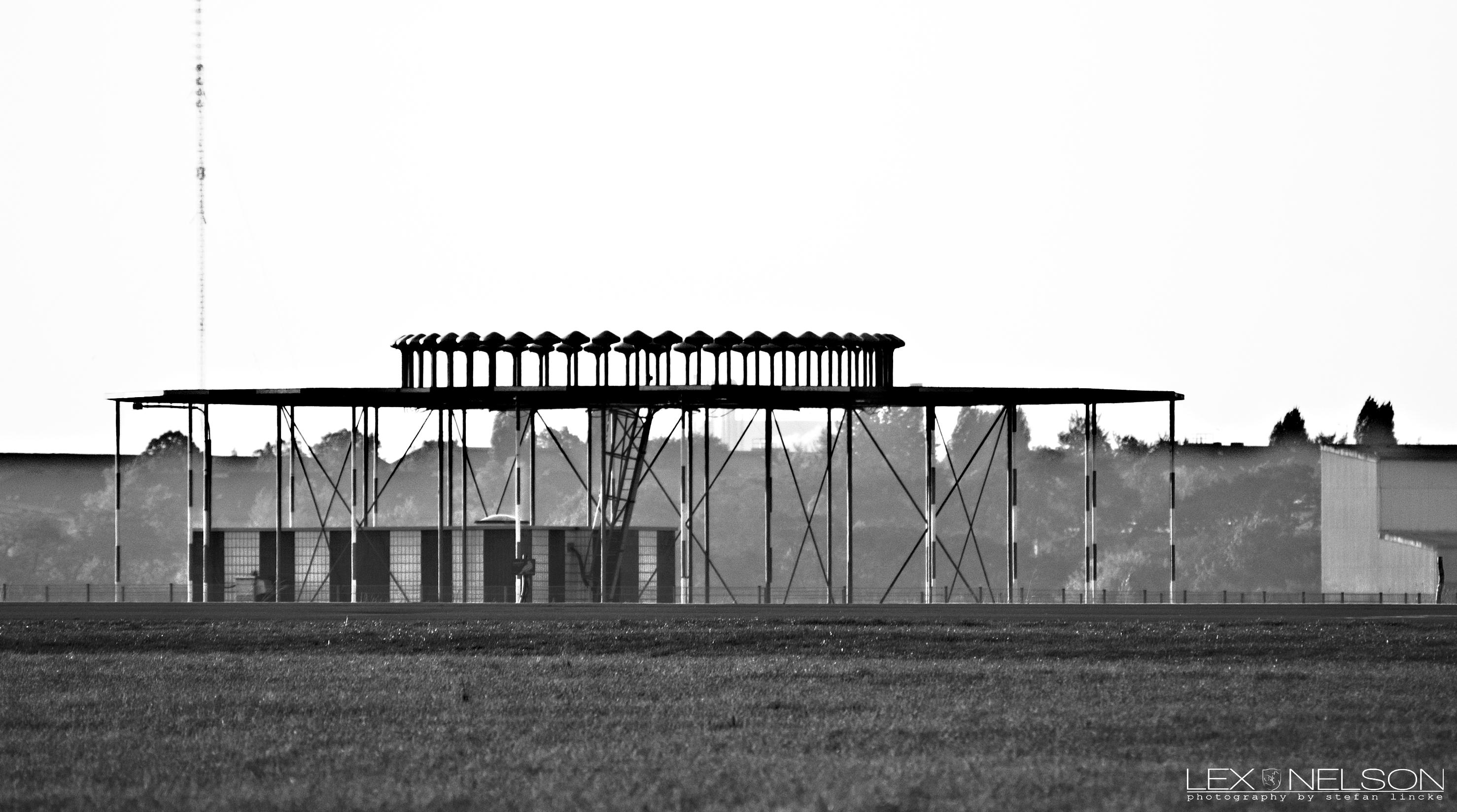 hangar sw.jpg
