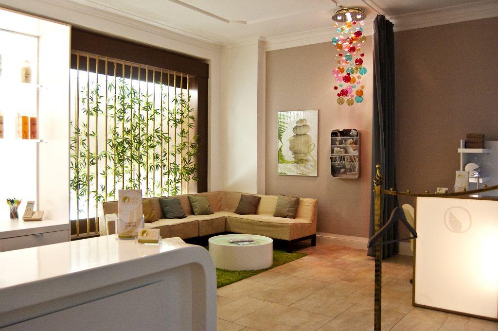 Eingang und Lounge 2.jpg