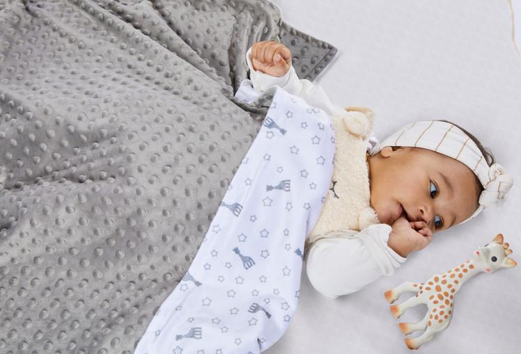 850740 - Sophie'doux blanket Sophie la g