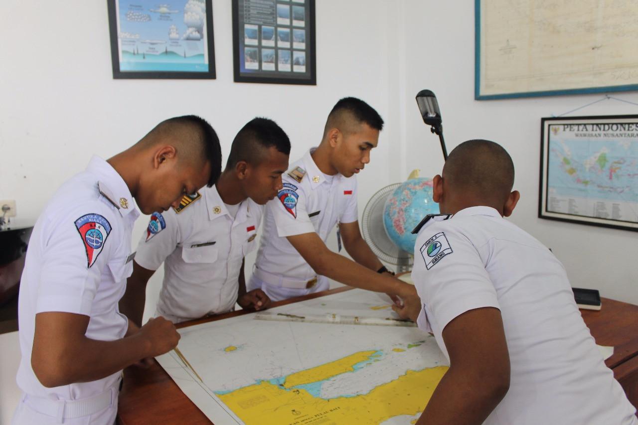 Pembelajaran Praktik Mengoperasikan Peralatan Navigasi