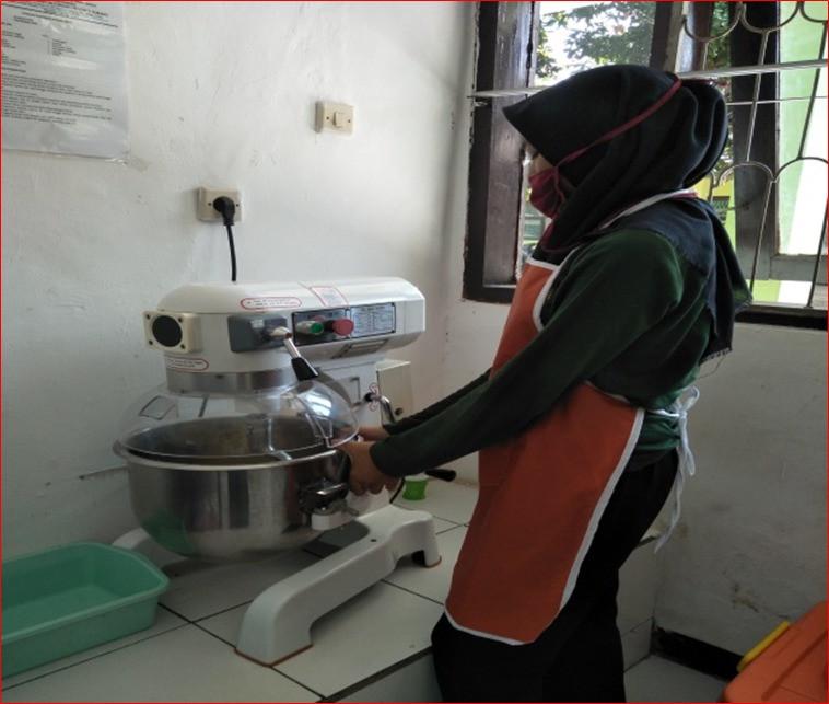 Pembelajaran Peraktik Pembuatan Roti.jpe