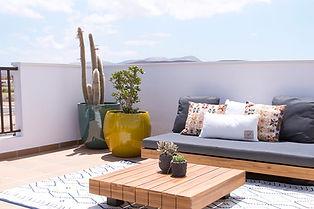 Noogar, decoración de terraza y solarium, ático en Pueblo Majorero, Caleta de Fuste, Fuerteventura