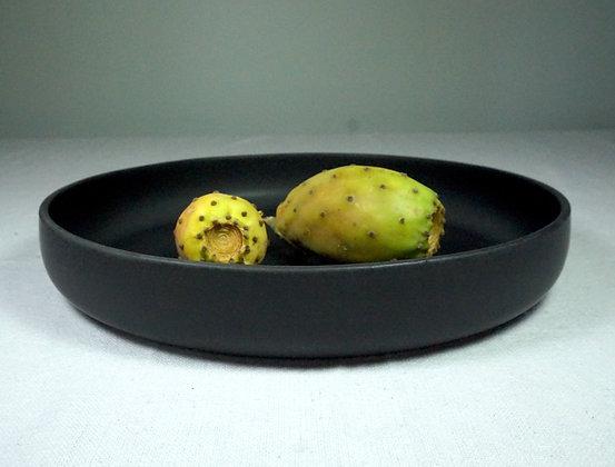 Grand plat creux LUNE en grès noir mat