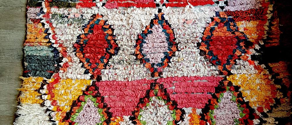 Tapis Boucherouite 116 cm x 187 cm vintage en coton recyclé