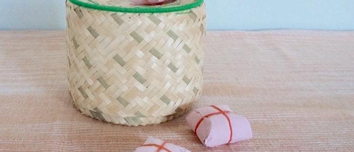 Petite boîte BAAN en feuille de cocotier naturelle
