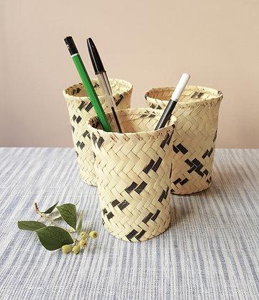 """Pot à crayons """"OASIS"""" en feuille de palmier dattier"""
