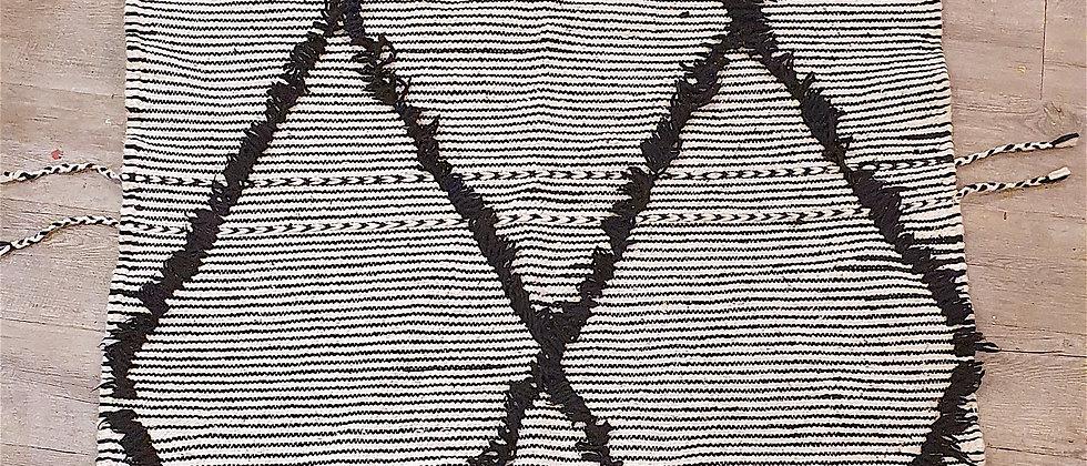 Tapis Zanafi 105 cm x 164 cmtissé à la main, Maroc
