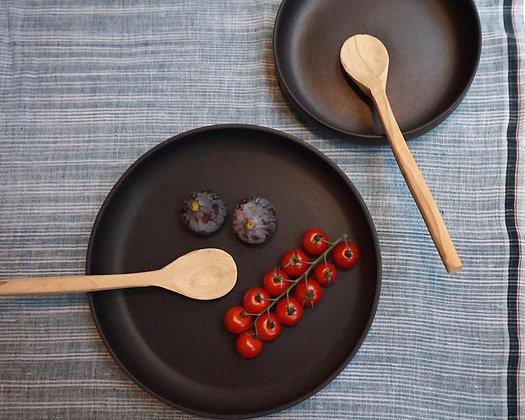 Petit plat creux LUNE en grès noir mat