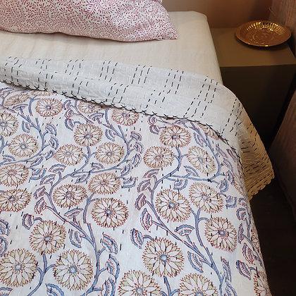 """Grand couvre lit Kantha 220 x 260 cm """"SHANTI"""", imprimé à la main"""