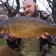 CR baits catching fish
