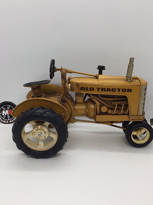 Antika metal traktör