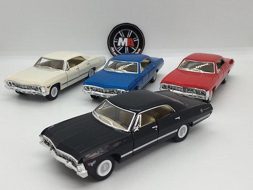 1/36 ölçek 1967 Chevrolet İmpala diecast model