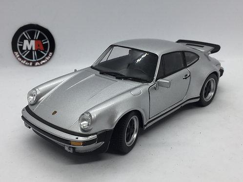 Porsche 911 Turbo (1973-1974) 1/24 Diecast model
