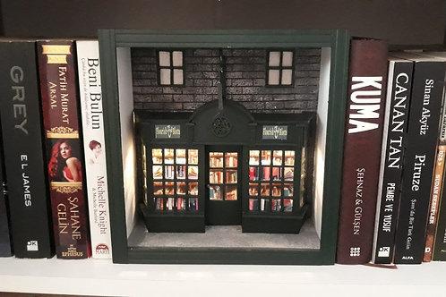 Harry Potter Flourish Blotts Kitap Arası & Maket