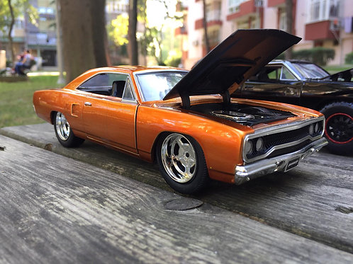 1/24 Ölçek Doms Plymouth Road Runner