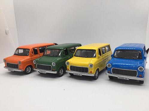 1/32 Ölçek Ford Minibüs