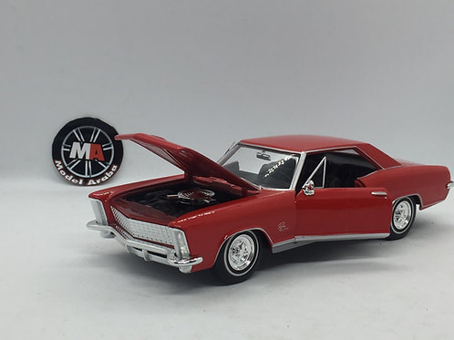 1965 Buick Riviera Gran Sport 1/24 Diecast model