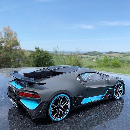 1/18 Bugatti Divo diecast model
