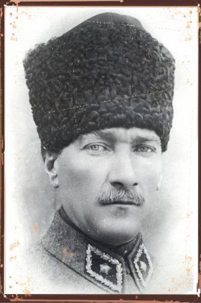 Mustafa Kemal Atatürk Retro Ahşap Poster
