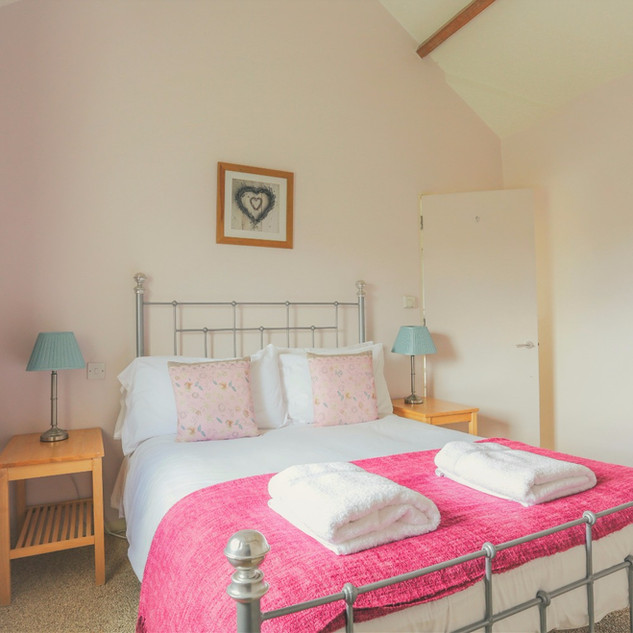 Quaker Barn double bedroom