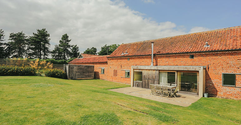 Quaker Barns │ luxury holiday cottages in rural North Norfolk