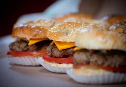 Mini hamburguesa en pan Begel