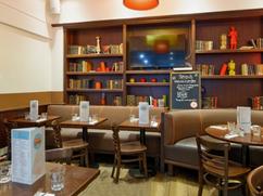 cafe-la-place-salon.png