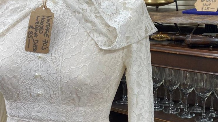 Vintage 70's Wedding Dress Lace